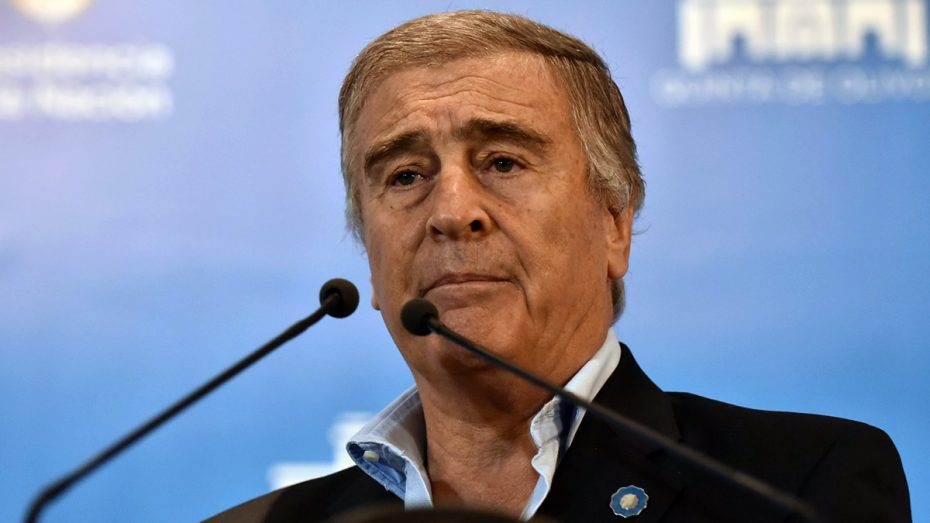 Denuncian a Oscar Aguad por traición a la patria