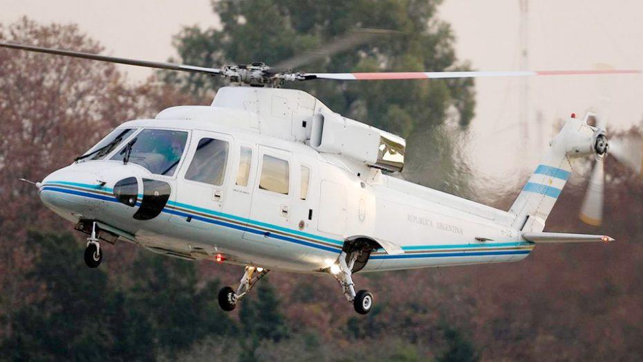 El helicóptero debió aterrizar de emergencia por los fuertes vientos.