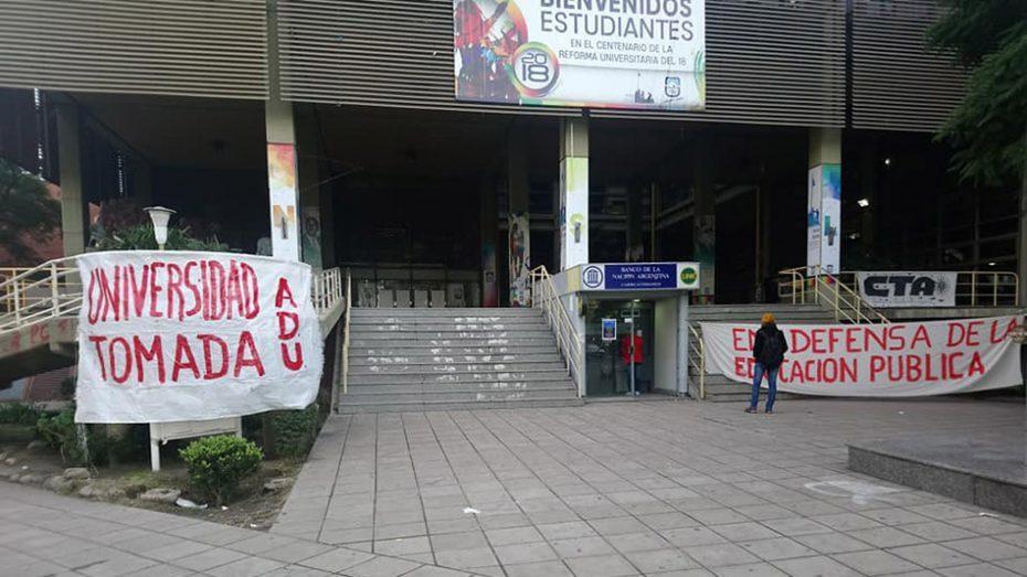 En junio ya se había realizado una toma del edificio.